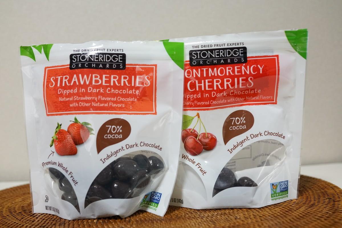 アイハーブおすすめのチョコレート菓子!甘さ控えめくせになる! Stoneridge Orchards Strawberries Dipped in Dark Chocolate